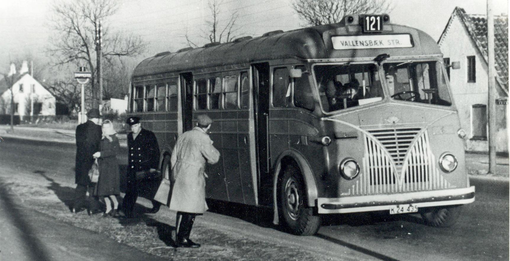1941_bus_121